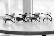 Křesílko Bauhaus