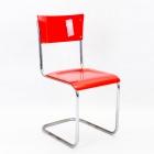 Židle-červená